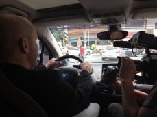 Dirigindo (ou tentanto) pelas ruas congestionadas de SP.
