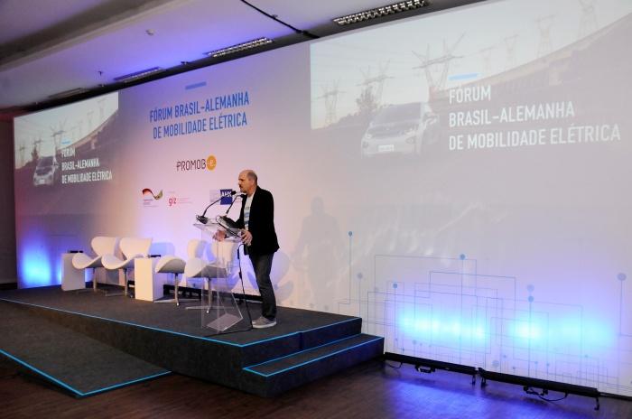 Rodrigo Almeida - Fórum Brasil-Alemanha de Mobilidade Elétrica 3
